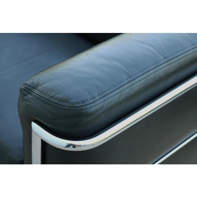 1980's Le Corbusier LC2 Jack Cartwright Black Leather Loveseat For Sale - Image 10 of 13