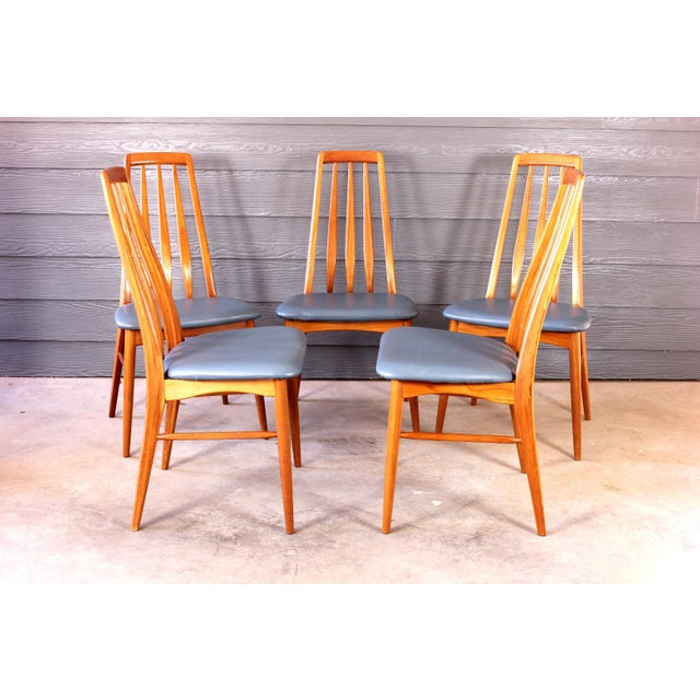 Set of 5 beautiful vintage Danish teak dining chairs by Koefoeds Hornslet. These chairs are in great vintage condition....