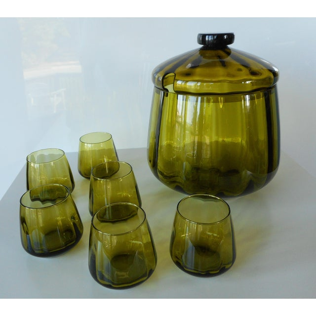 Vintage Mid-Century Avocado Green Art Glass Punch Bowl & Cups - Set of 7 For Sale - Image 4 of 9