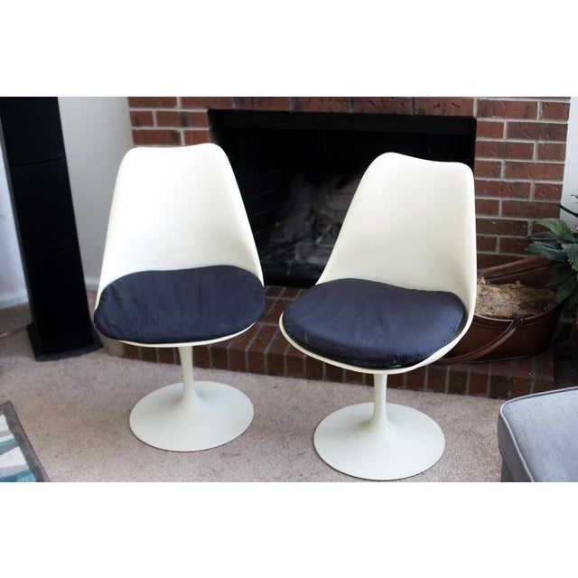 These are original Knoll Associates Saarinen designed Tulip Chairs. Part of the 1958 Pedestal Collection. Knoll introduced...
