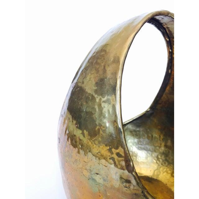 Vintage Hammered Brass Basket - Image 4 of 6