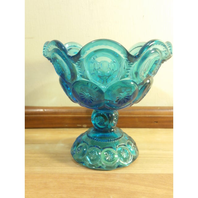"L.E. Smith ""Moon and Stars"" Pattern Blue Glass Footed Compote Dish - Image 4 of 5"
