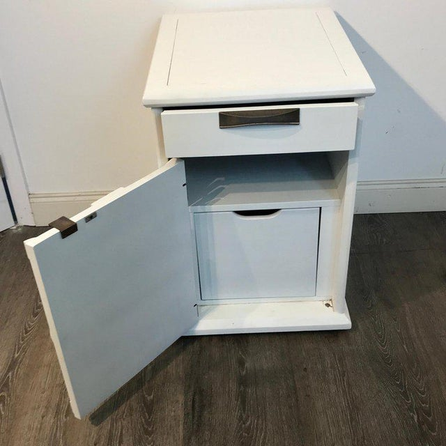 White Pair of Moderage Sculptural Parzinger White Lacquered King Size Nightstands For Sale - Image 8 of 13