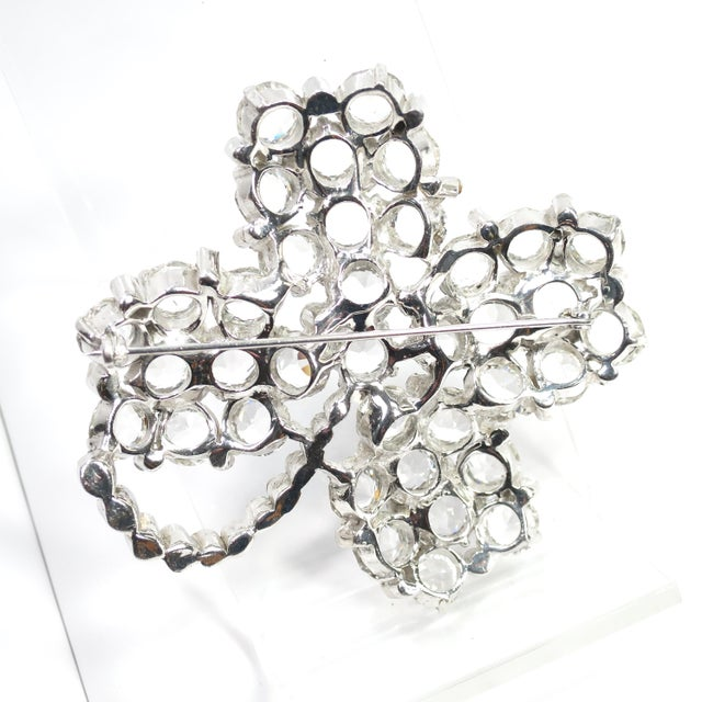 Reja Rhodium & Sterling Cut Crystal Four Leaf Clover Brooch, 1940s For Sale - Image 9 of 12