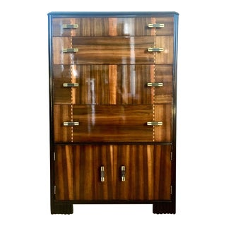 1930s Art Deco Moderne Dresser in Walnut For Sale