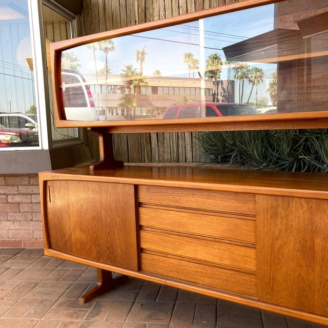 1970s Danish Modern Teak Credenza With Floating Top For Sale - Image 4 of 11