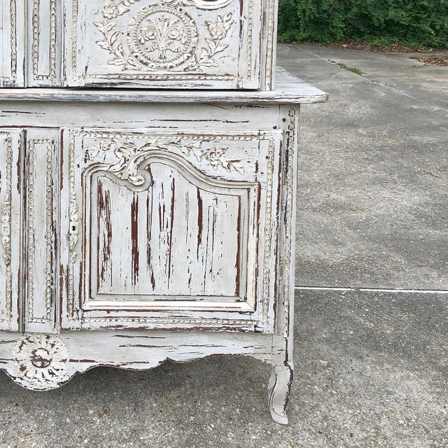 18th Century Country French Painted Bookcase ~ Buffet a Deux Corps For Sale In Dallas - Image 6 of 13