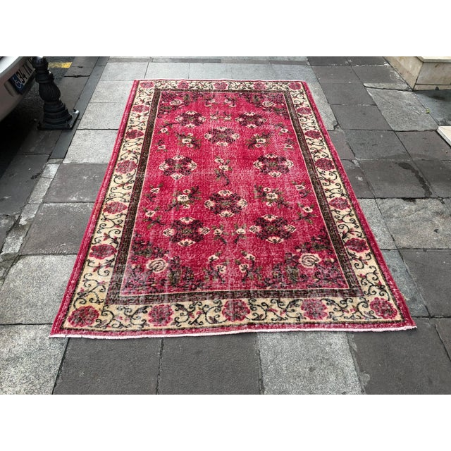 1960s Vintage Turkish Oushak Hand-Knotted Rug - 5′2″ × 8′2″ For Sale - Image 11 of 11