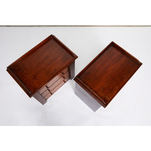 Late 19th Century Pair of Petite English Mahogany Chests For Sale - Image 5 of 10