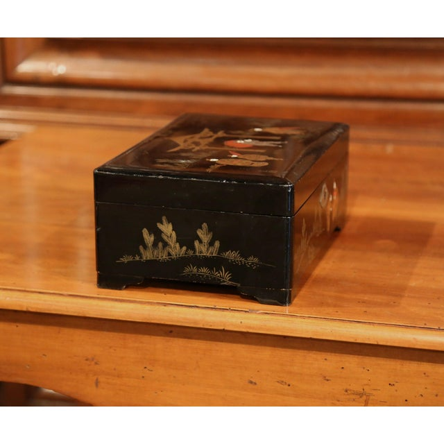 Glass 19th Century French Black Lacquered Make Up Music Box With Chinoiserie Decor For Sale - Image 7 of 9