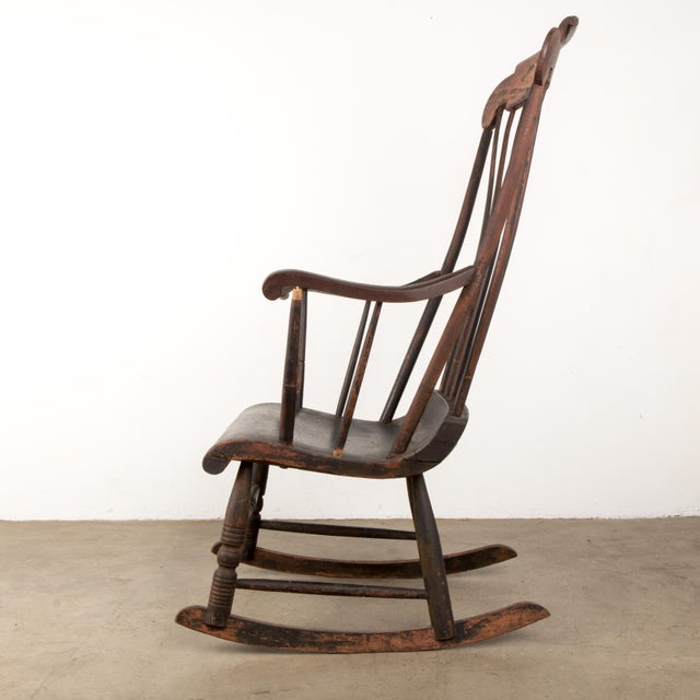 American Early 19th Century Windsor Rocking Chair For Sale - Image 3 of 13