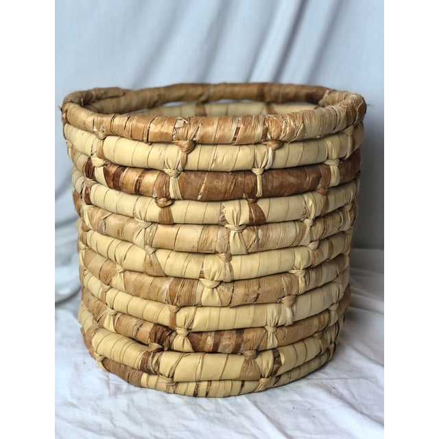 20th Century Boho Chic Cornhusk Basket For Sale - Image 4 of 10