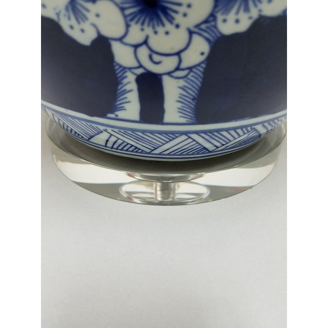 Chinese Blue & White Hawthorne Blue Porcelain Table Lamps - a Pair For Sale In Cincinnati - Image 6 of 8