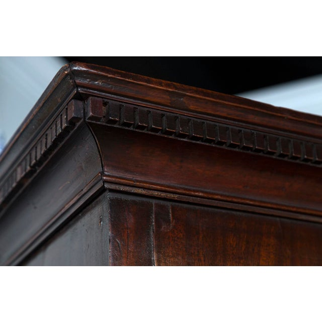 1870s English Traditional Mahogany Chest on Chest For Sale - Image 4 of 8
