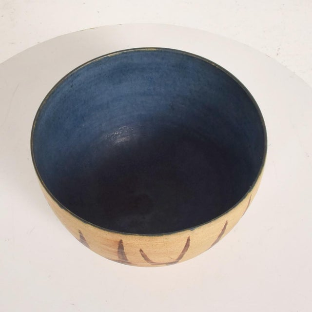 Ceramic Mid Century Modern Bowl With Beautiful Decoration, Earth Tones With Blue Inside Natzler Era For Sale - Image 7 of 9
