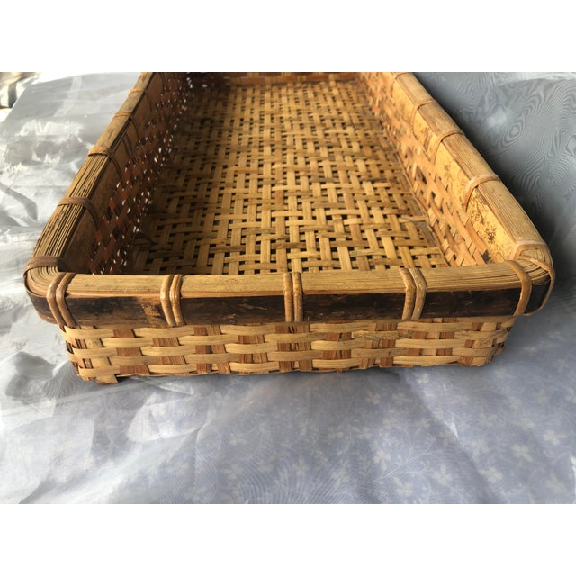 Late 20th Century Large Woven Bamboo Tray Basket For Sale In New York - Image 6 of 13