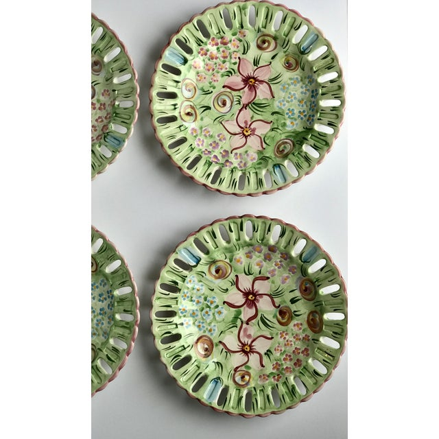 Late 20th Century Vintage Vestal Alcobaca Majolica Hand Painted Pink & Green Plates - Set of 4 For Sale - Image 5 of 9