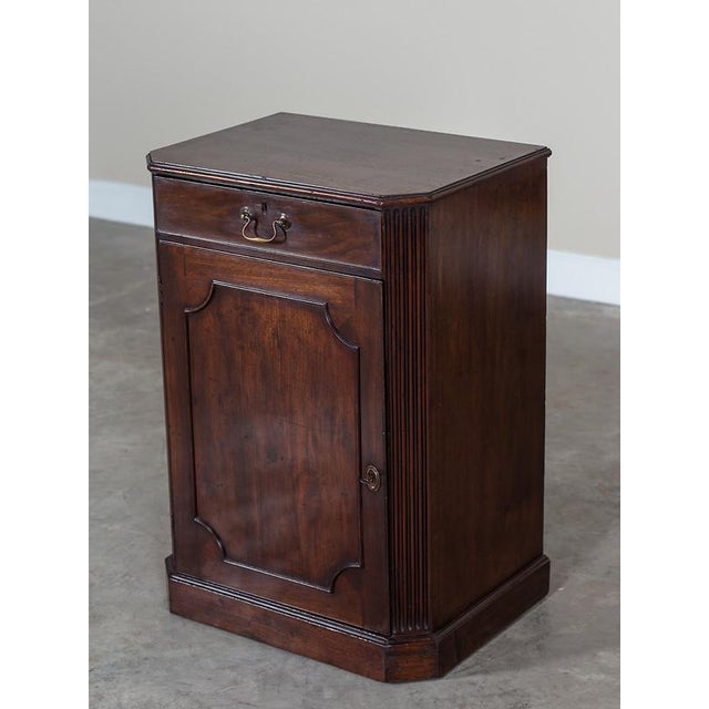 Gold George III Antique English Mahogany Cabinet circa 1780 For Sale - Image 8 of 10