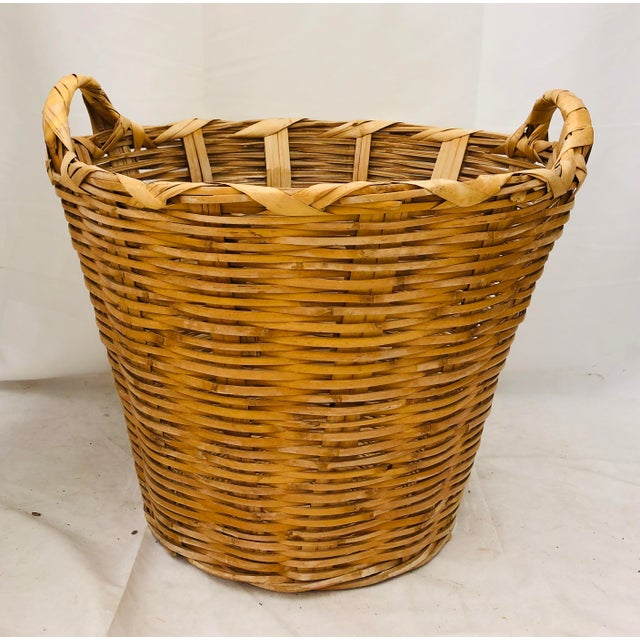 Stunning French Country Style Early Vintage Natural Woven Wicker Basket / Laundry Hamper. Original finish fittings and...