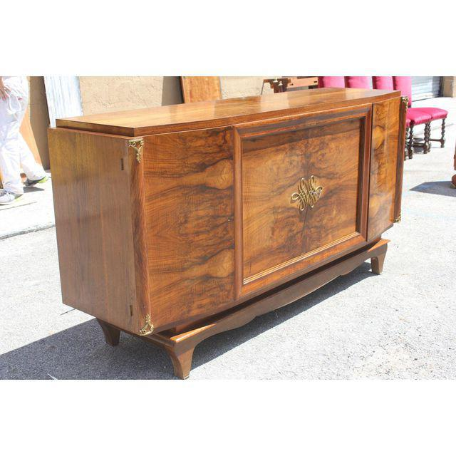 1940s French Art Deco Exotic Walnut Sideboard / Buffet Circa 1940s. For Sale - Image 5 of 10