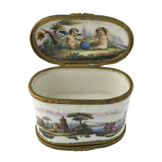 Traditional Mid 18th Century Vintage European Double Sided Enamel Snuff Box For Sale - Image 3 of 5