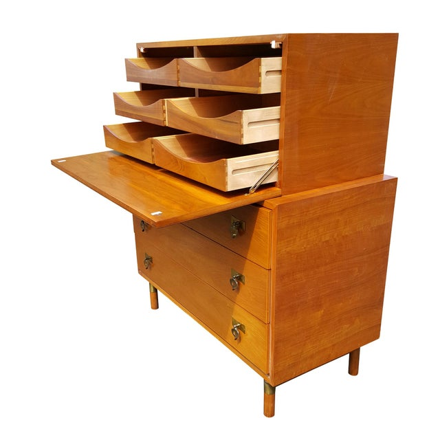 1960's Red Lion Mid-Century Modern Dresser - Image 4 of 10