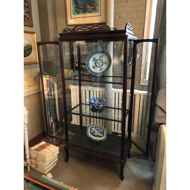 Chinese 19th Century Chinese Rosewood Hand Carved 3 Shelf Curio Display Cabinet With Two Side Doors For Sale - Image 3 of 13