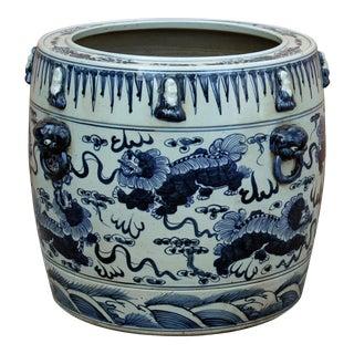 Chinese Vintage Finish Blue White Porcelain Foo Dogs Round Pot Planter