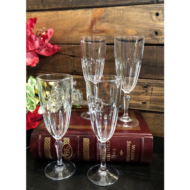 """1980s Set of 4 Vintage Champagne Glass Crystal D'Arques Durand """"Washington"""" For Sale - Image 5 of 8"""