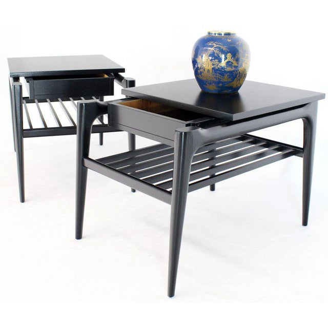 Mid-Century Modern Pair of Black Ebonised One Drawer End Nightstands With Magazine Rack Sculptural For Sale - Image 3 of 13