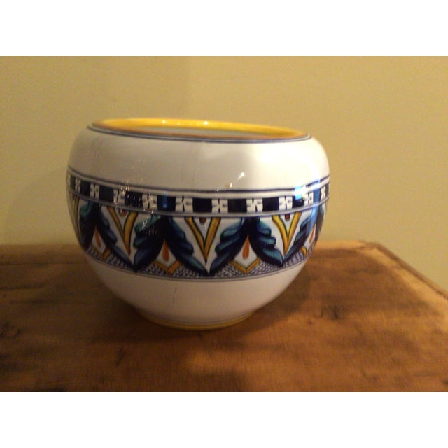 White Vintage 1970s Amano Franco Mari Deruta Italian Signed Hand Painted Dip Pottery Planter For Sale - Image 8 of 9