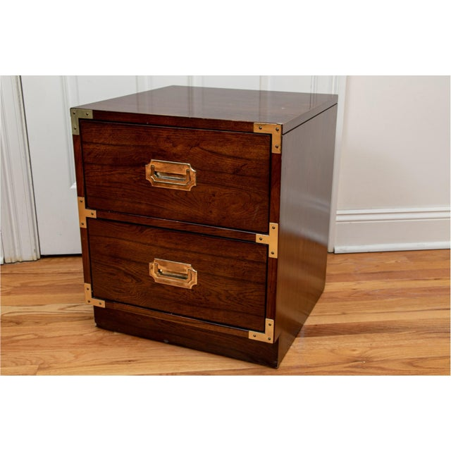 Mid-Century Modern Bernhardt Mid Century Modern Campaign Style Nightstands - a Pair For Sale - Image 3 of 11