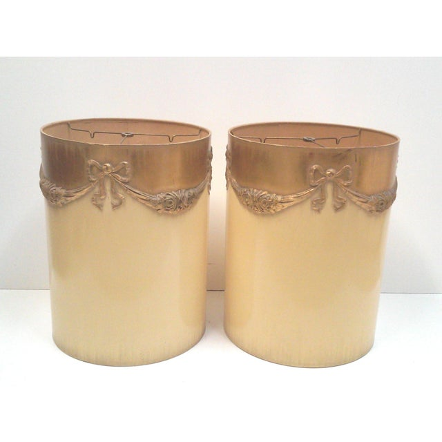 Hollywood Regency Regency Ivory Ormolu Roses & Bows Lamp Shades - a Pair For Sale - Image 3 of 5