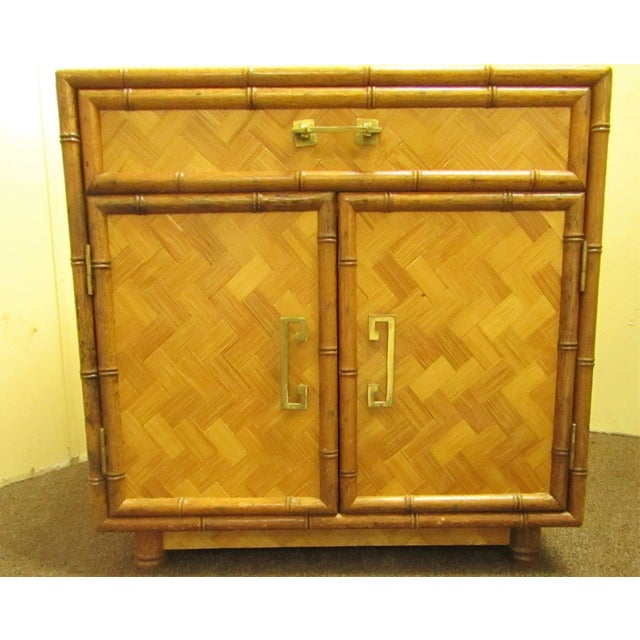 Perfect little accent table with one drawer and lower double door cabinet. The cabinet table is accented with split...