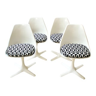 Set of Four 1960s Fiberglass Tulip Chairs by Burke For Sale