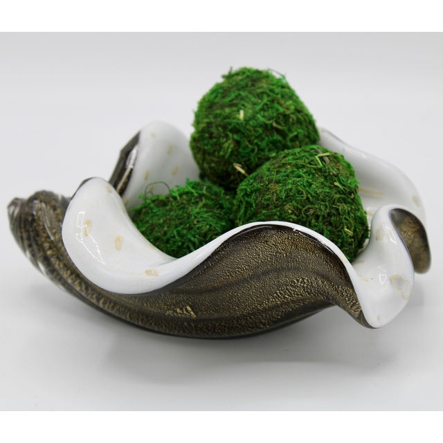 Mid-Century Modern Mid-Century Murano Glass Conch Shell Bowl For Sale - Image 3 of 13