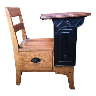 Early 20th Century Antique Langslow Fowler Co. Moulthrop School Desk For Sale