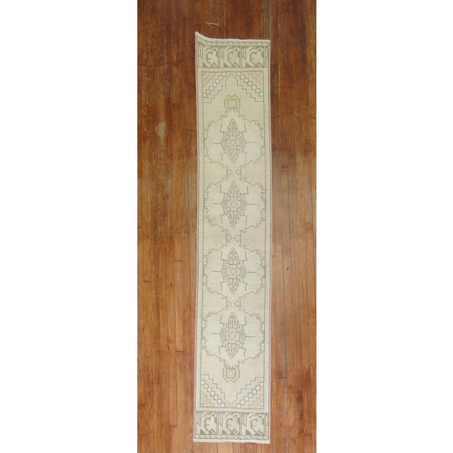 Vintage Turkish Runner, 1'10'' X 9'3 For Sale In New York - Image 6 of 6