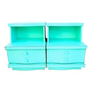 Mid-Century Kent Coffey Aqua/Mint Nightstands- a Pair || Step-Table Style Single Drawer End Tables For Sale
