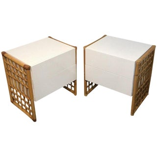 Pair of Sleek Modern White Lacquered and Rattan End Tables or Nightstands For Sale