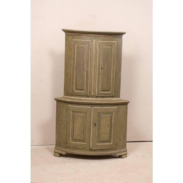 Swedish Period Gustavian painted wood corner cabinet, circa 1770-1780. This Swedish late 18th century antique corner...