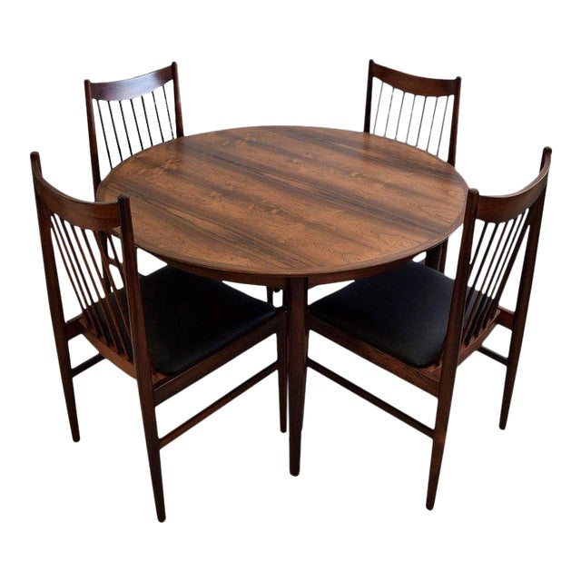 https://chairish-prod.freetls.fastly.net/image/product/sized/748fcb9f-06a3-41c3-80b1-1404618bbceb/arne-vodder-mid-century-rosewood-dining-room-set-4854?aspect=fit&width=640&height=640