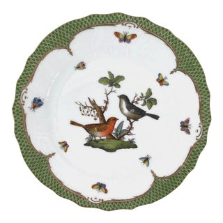 "Herend Rothschild Bird 10.5"" Dinner Plate Gilt and Green Fish Scale Border 1 For Sale"