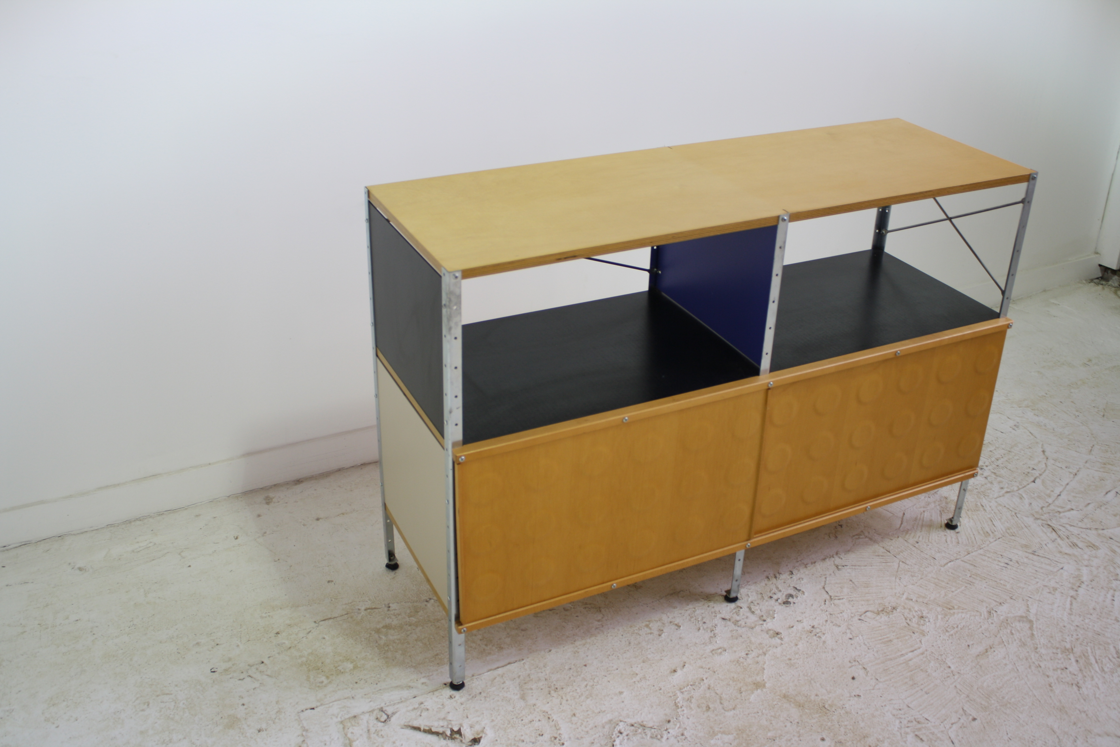 Eames Herman Miller Storage Unit 2x2   19 Avail.   Image 5 Of 8