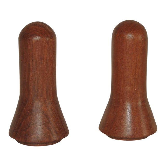 Pair of Mid-Century Modern Salt and Pepper Shakers For Sale