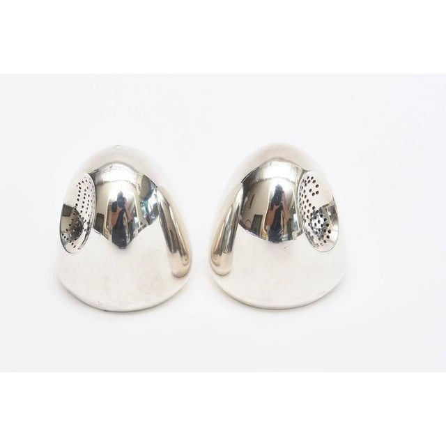 Pair of Modernist Antonio Pineda Sterling Silver Salt and Pepper Shakers For Sale In Miami - Image 6 of 9