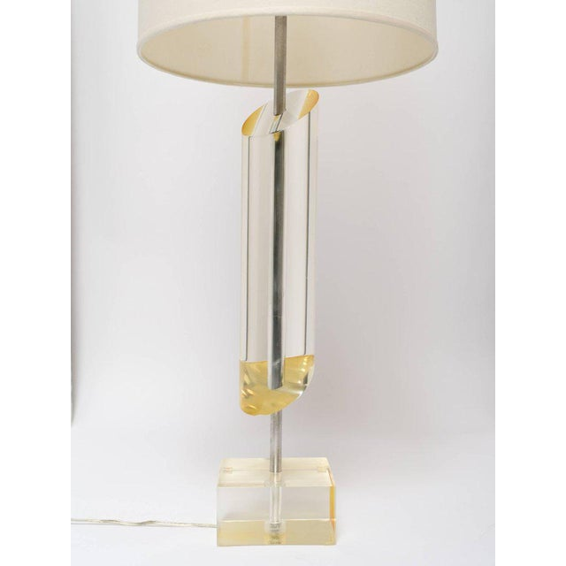 Cubism 1970's Mid-Century Modern Golden Lucite Architectural Lamp For Sale - Image 3 of 7