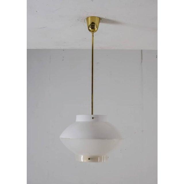 Mid-Century Modern Yki Nummi White Plexiglass and Brass Pendant for Orno, Finland, 1960s For Sale - Image 3 of 8