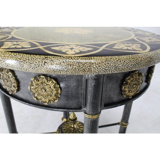 Traditional Round Faux Egg Shell Decorated Bronze Ormolu Decorated Round Gueridon Table For Sale - Image 3 of 9