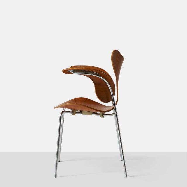 Fritz Hansen Arne Jacobsen, Armchair, the Lily, Model 3208 For Sale - Image 4 of 9